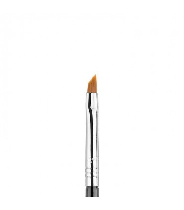 E06 - WINGED LINER™ BRUSH SIGMA BEAUTY